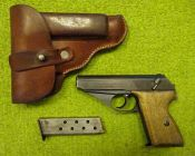 Mauser HSc, WaA135 con fondina