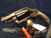 "Smith & Wesson SMITH&WESSON GOVERNOR 2,75"" MULTICALIBRO"